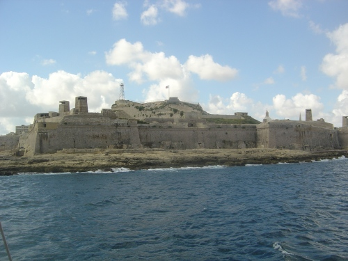 C16 Fort St Elmo at the mouth of Grand Harbour, with Second World War towers. Image by J. D. Davies.