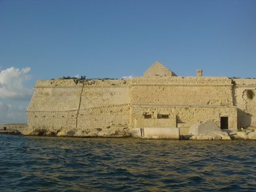 Bighi Hospital, with bathing houses at sea level. Image by J. D. Davies.