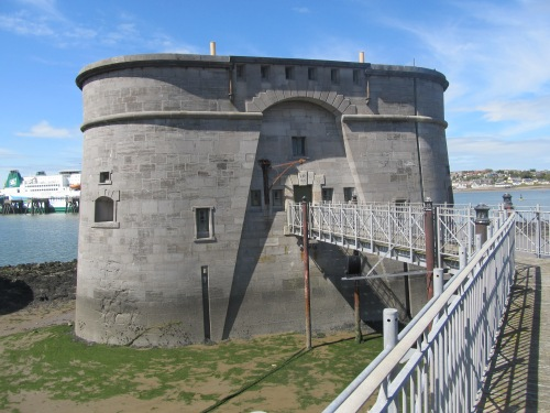 The East Gun Tower, previously open as a museum of local history, but closed since damage in 2011. Image by J. D. Davies.